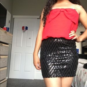 Strapless half red half black sequins